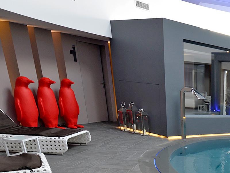 private-spa-penguins-theme